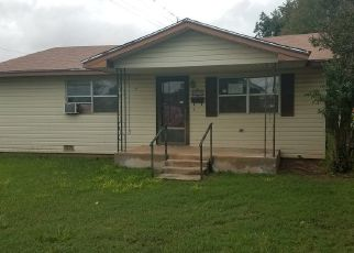 Foreclosed Home in Walters 73572 W IOWA ST - Property ID: 4298244553
