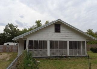 Foreclosed Home in Vinita 74301 W CHEYENNE AVE - Property ID: 4298273907