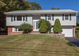 Foreclosed Home in Stamford 06902 WESTWOOD RD - Property ID: 4298306751