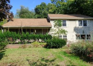 Foreclosed Home in Southington 06489 MERIDEN AVE - Property ID: 4298336528