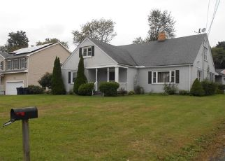 Foreclosed Home in Trumbull 06611 BAILEY ST - Property ID: 4298444715