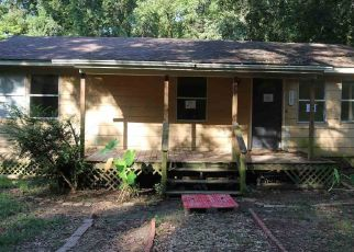 Foreclosed Home in Vicksburg 39180 THORN HILL DR - Property ID: 4298501199