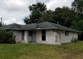 Foreclosed Home in Houston 77016 LEEDALE ST - Property ID: 4298518280