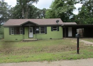 Foreclosed Home in Longview 75604 LAWNDALE AVE - Property ID: 4298564266
