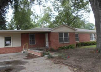 Foreclosed Home in Marshall 75672 SCENIC LOOP - Property ID: 4298623395