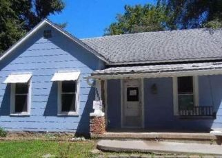 Foreclosed Home in Leavenworth 66048 NEWMAN ST - Property ID: 4298737266