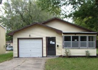 Foreclosed Home in Wamego 66547 ELM ST - Property ID: 4298861211