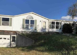Foreclosed Home in Winfield 67156 CENTER AVE - Property ID: 4298879615