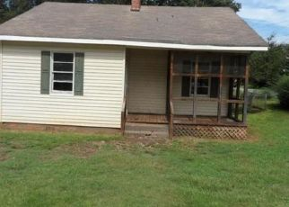 Foreclosed Home in Seneca 29678 AMES ST - Property ID: 4298961517