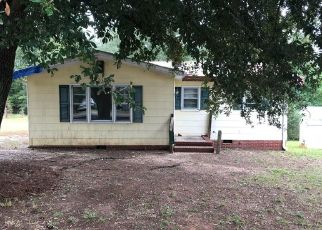 Foreclosed Home in Wadesboro 28170 MOORE ST - Property ID: 4299041223