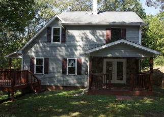 Foreclosed Home in Cleveland 30528 COVE BRANCH DR - Property ID: 4299057430