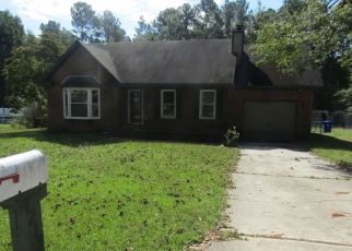 Foreclosed Home in Spring Lake 28390 WILDERNESS DR - Property ID: 4299074967