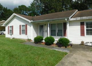 Foreclosed Home in North Charleston 29420 CHIPPENDALE RD - Property ID: 4299127959
