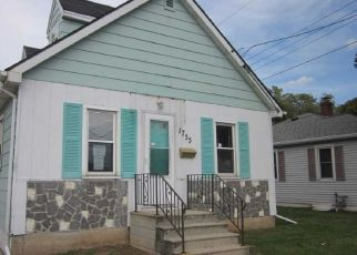 Foreclosed Home in Green Bay 54302 E MASON ST - Property ID: 4299290881