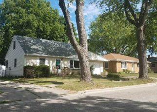 Foreclosed Home in Green Bay 54302 GROGNET ST - Property ID: 4299307517