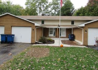Foreclosed Home in Suamico 54173 S TIMBER TRL - Property ID: 4299310581