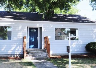 Foreclosed Home in Kent 98032 3RD AVE S - Property ID: 4299363576