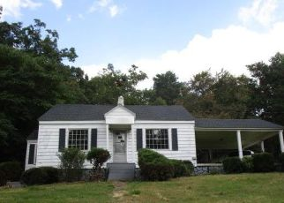 Foreclosed Home in Ferrum 24088 FRANKLIN ST - Property ID: 4299520367