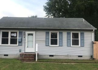Foreclosed Home in Portsmouth 23702 APPOMATTOX AVE - Property ID: 4299534833