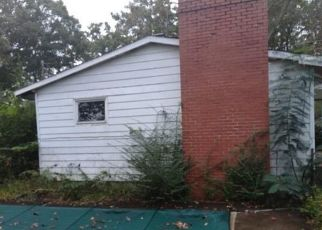 Foreclosed Home in Scottsville 24590 ANTIOCH RD - Property ID: 4299555853