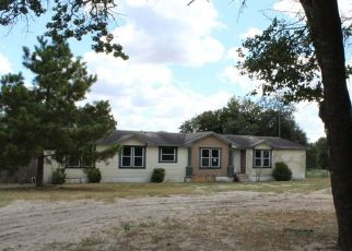 Foreclosed Home in Floresville 78114 WILLOW CREEK DR - Property ID: 4299705183