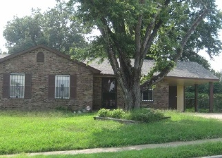 Foreclosed Home in Memphis 38127 CHATTERING LN - Property ID: 4299875122