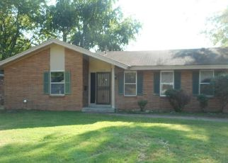 Foreclosed Home in Memphis 38118 STONE ST - Property ID: 4299901852