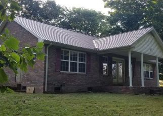 Foreclosed Home in Lafayette 37083 OAK KNOB RD - Property ID: 4299934696