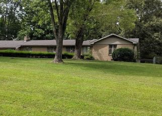 Foreclosed Home in Clarksville 37043 LUCY LN - Property ID: 4299957918