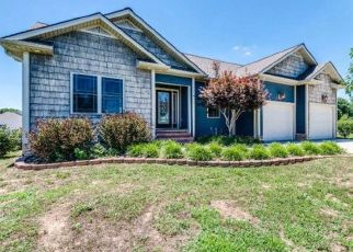 Foreclosed Home in Rickman 38580 AUTUMN HILLS DR - Property ID: 4299981560