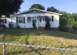 Foreclosed Home in Kingsport 37665 LASALLE ST - Property ID: 4299982881