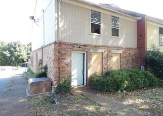 Foreclosed Home in Memphis 38118 CHESTERWOOD DR - Property ID: 4300034104