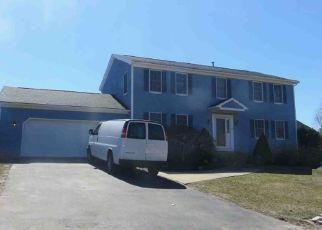 Foreclosed Home in Bristol 02809 PATRICIA ANN DR - Property ID: 4300078345