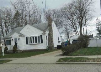 Foreclosed Home in North Providence 02911 PELHAM PKWY - Property ID: 4300079668