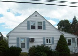 Foreclosed Home in West Warwick 02893 HOPEDALE DR - Property ID: 4300087998