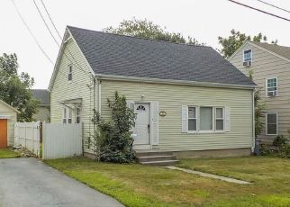Foreclosed Home in Middletown 02842 FREEBORN ST - Property ID: 4300090613