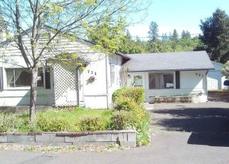 Foreclosed Home in Eagle Point 97524 S SHASTA AVE - Property ID: 4300177325
