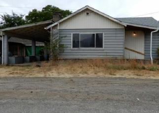 Foreclosed Home in Oakridge 97463 WILLOW ST - Property ID: 4300186981