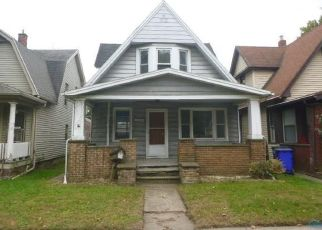 Foreclosed Home in Toledo 43609 SOUTH AVE - Property ID: 4300349905