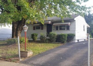 Foreclosed Home in Columbus 43219 DUXBERRY AVE - Property ID: 4300390623