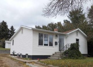 Foreclosed Home in Mandan 58554 2ND ST NE - Property ID: 4300437491