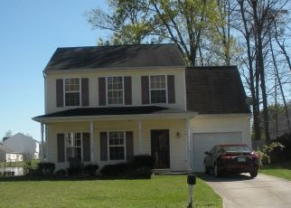 Foreclosed Home in Greensboro 27406 NESTLEWAY DR - Property ID: 4300483924