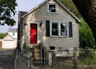 Foreclosed Home in West Babylon 11704 14TH AVE - Property ID: 4300524651