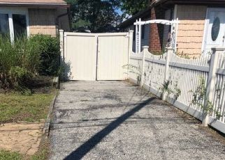 Foreclosed Home in Amityville 11701 ELGIN RD - Property ID: 4300533853