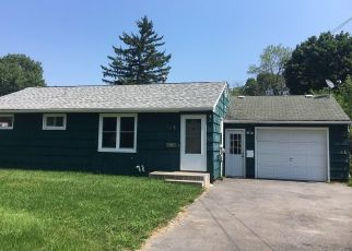 Foreclosed Home in Liverpool 13088 PLEASANTVIEW DR - Property ID: 4300609614