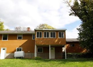 Foreclosed Home in Lockport 14094 SUNSET DR - Property ID: 4300643779