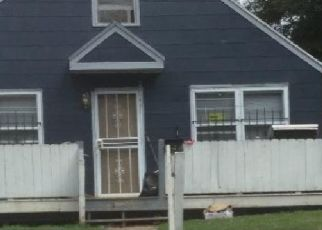 Foreclosed Home in Kansas City 64128 E 27TH TER - Property ID: 4300914439