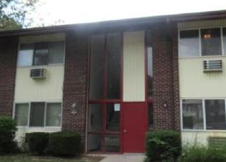 Foreclosed Home in Hazelwood 63042 HAZELCREST DR - Property ID: 4300969182