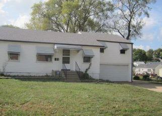 Foreclosed Home in Saint Ann 63074 SAINT SEBASTIAN LN - Property ID: 4300983643