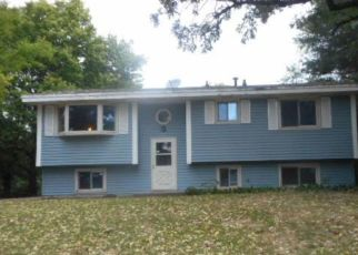 Foreclosed Home in Anoka 55303 38TH AVE - Property ID: 4301255627